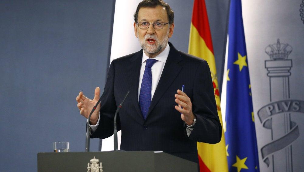 El presidente del PP, Mariano Rajoy, durante la rueda de prensa