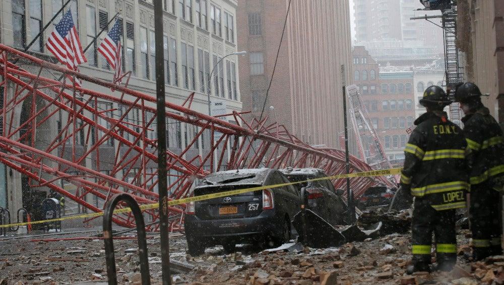 Accidente al caer una grúa en Nueva York
