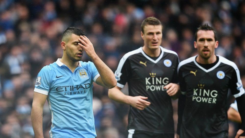 Agüero se lamenta ante el Leicester