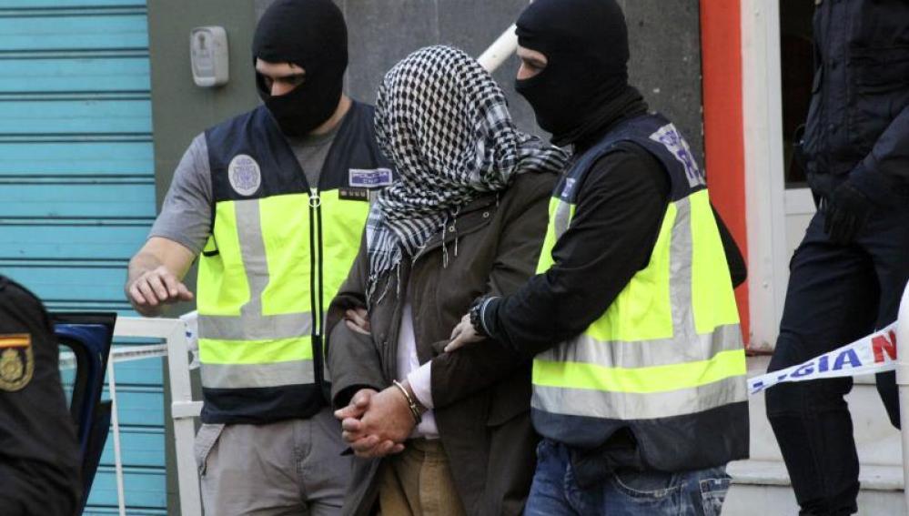 Detienen a siete presuntos miembros de Daesh y Al Nusra en Alicante, Valencia y Ceuta