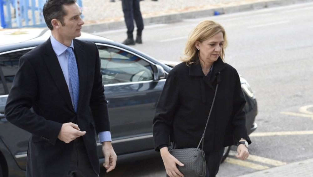 La Infanta Cristina y Urdangarin llegan a la Audiencia