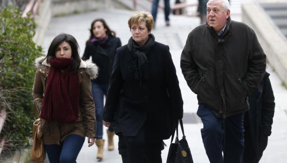 Isabel de la Fuente, madre de Cristina Arce, fallecida junto con otras cuatro jóvenes, su hermana y su padre