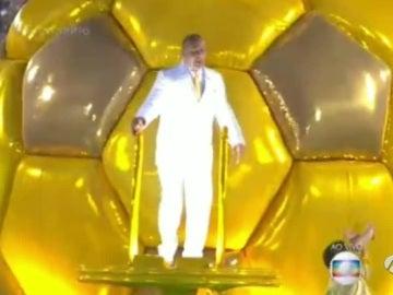 El padre de Neymar, bailando en el carnaval
