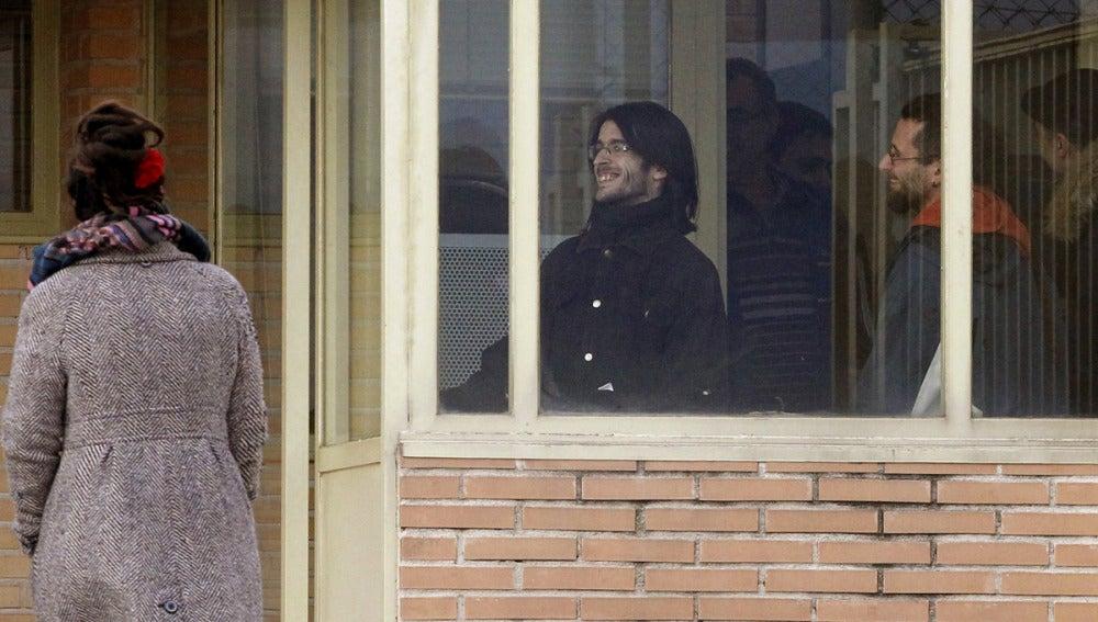 Salida de prisión de los dos titiriteros