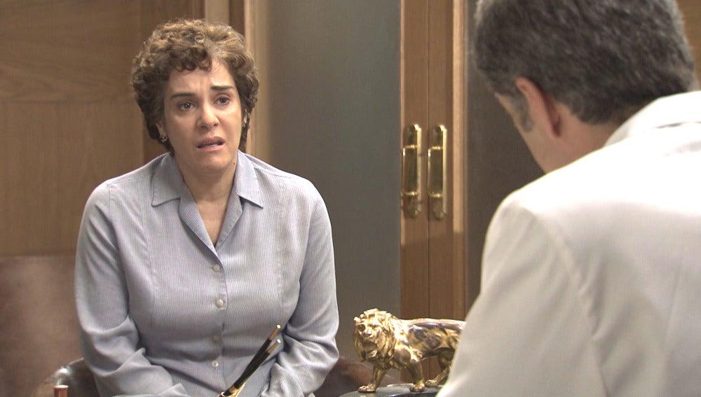 Benigna busca ayuda en el Doctor Martos