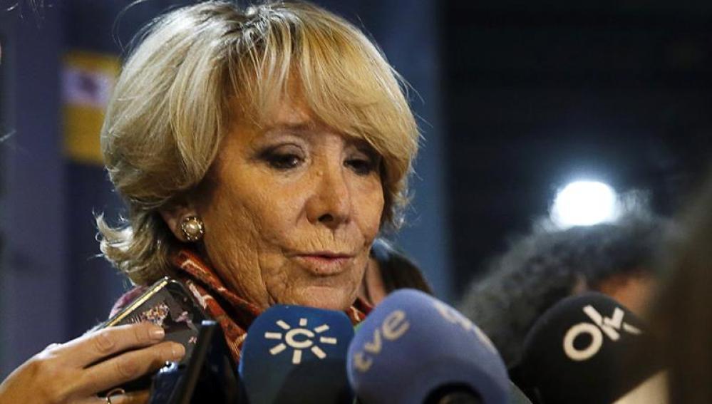 Esperanza Aguirre comparece ante los medios de comunicación