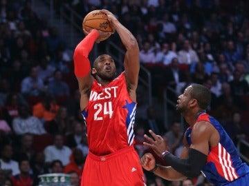 Kobe Bryant jugando el All Star