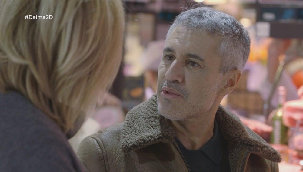 Sergio Dalma visita un mercado con Susanna Griso