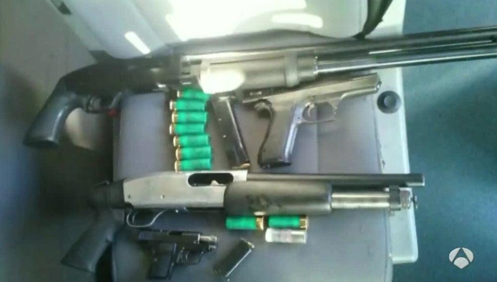 Pistolas incautadas en La Junquera