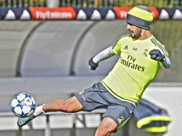 Isco se entrena con el Real Madrid
