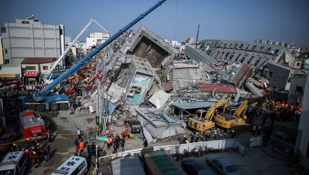 El terremoto de 6,4 grados causó graves daños y víctimas mortales
