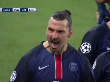 Zlatan Ibrahimovic celebra su gol contra el Chelsea