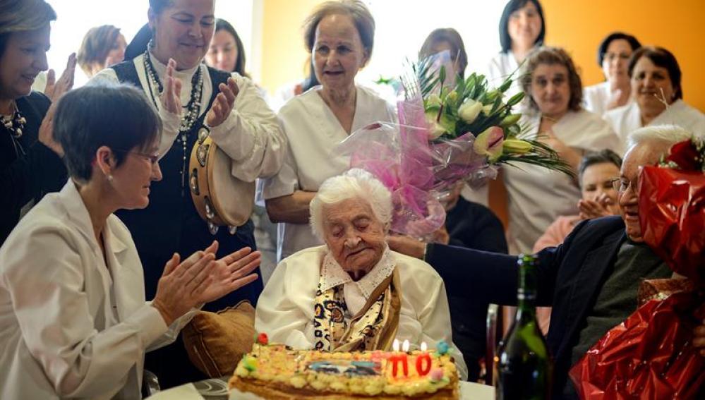 Josefa Álvarez celebrando su cumpleaños