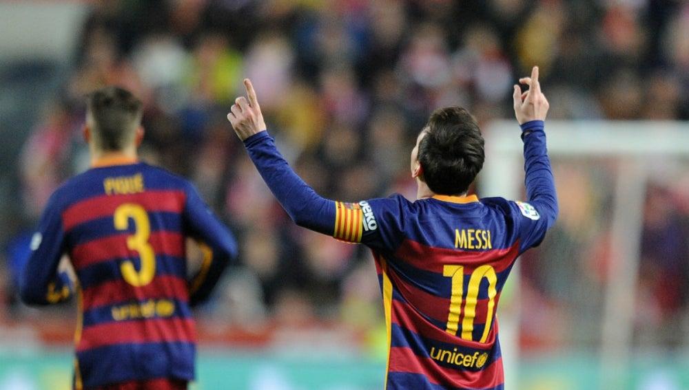 Messi alcanza los 300 goles con el Barcelona