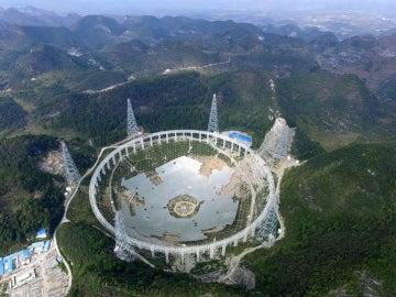 Se espera que el radiotelescopio esté completo en septiembre