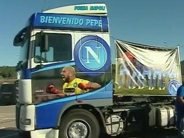 El camión serigrafiado en honor a Pepe Reina