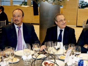 Rafa Benítez, Florentino Pérez y Pablo Laso, durante la cena de Navidad del Real Madrid