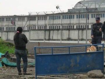 Fachada de la cárcel La Modelo
