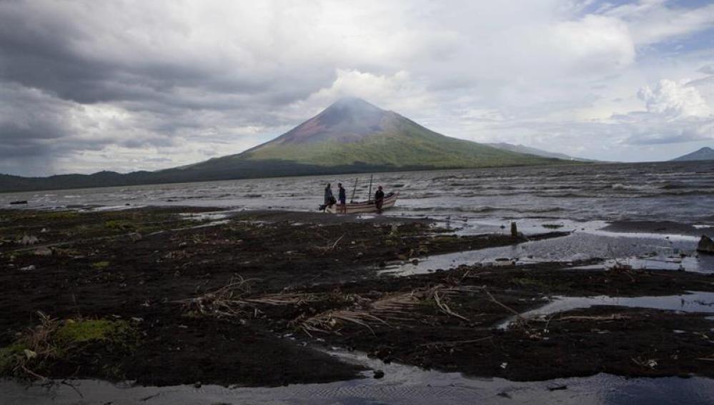 Volcán Momotombo, en Nicaragua