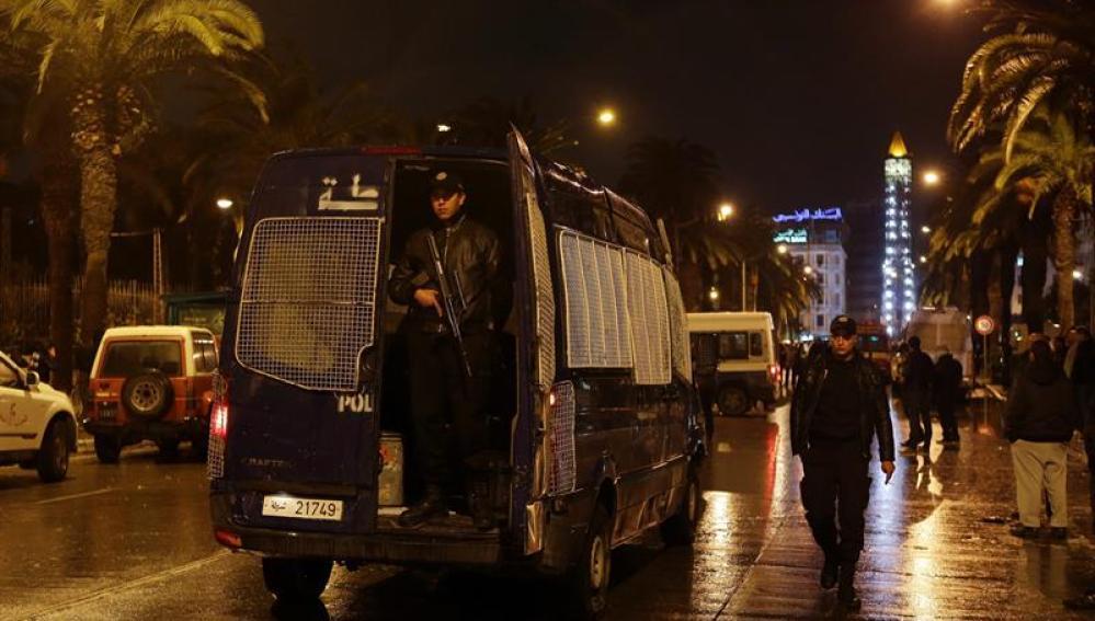Miembros de las Policía en Túnez