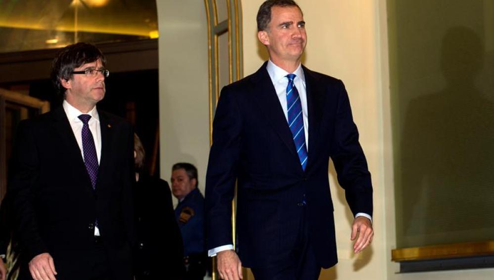 El Rey Carles Puigdemont se ven por primera vez