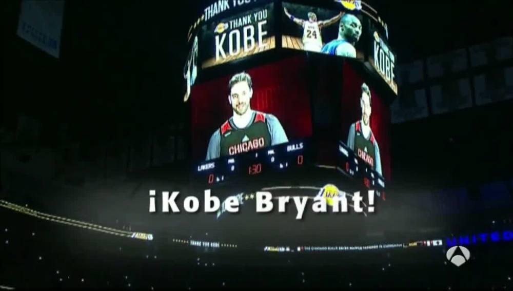 Presentación Kobe Bryant hecha por Pau Gasol