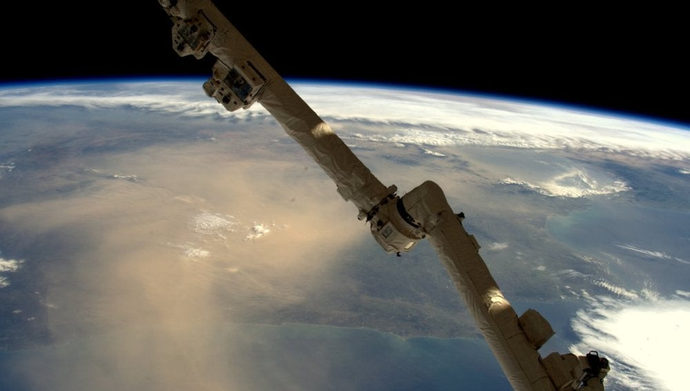 Nube de arena de origen africano encima de la Península Ibérica