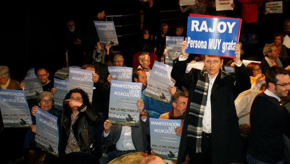 Muchos de los asistentes al pleno municipal de Pontevedra