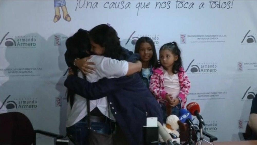 Hermanas colombianas se reencuentran 30 años después