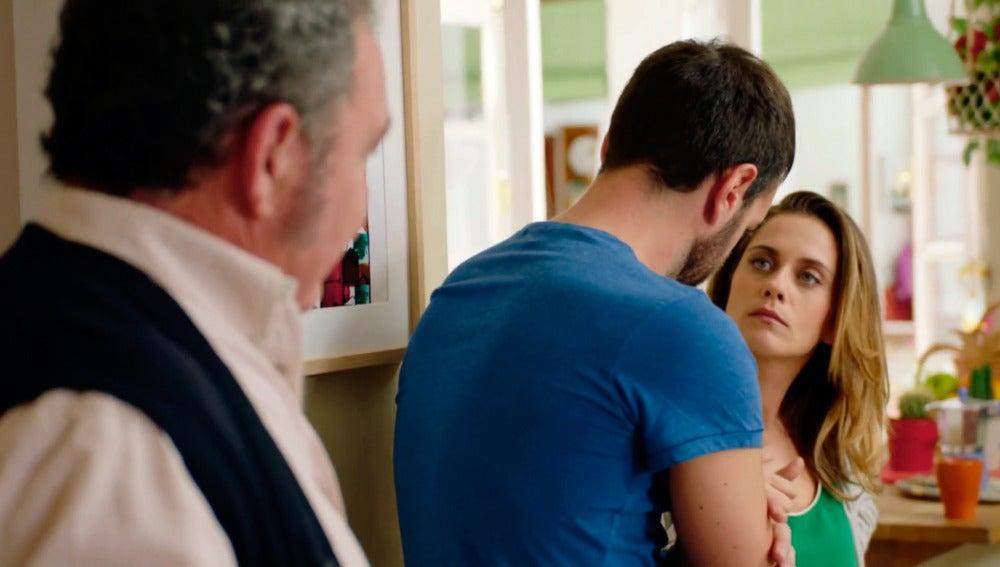 A Carmen no le gusta que Iñaki y su padre vayan de caza