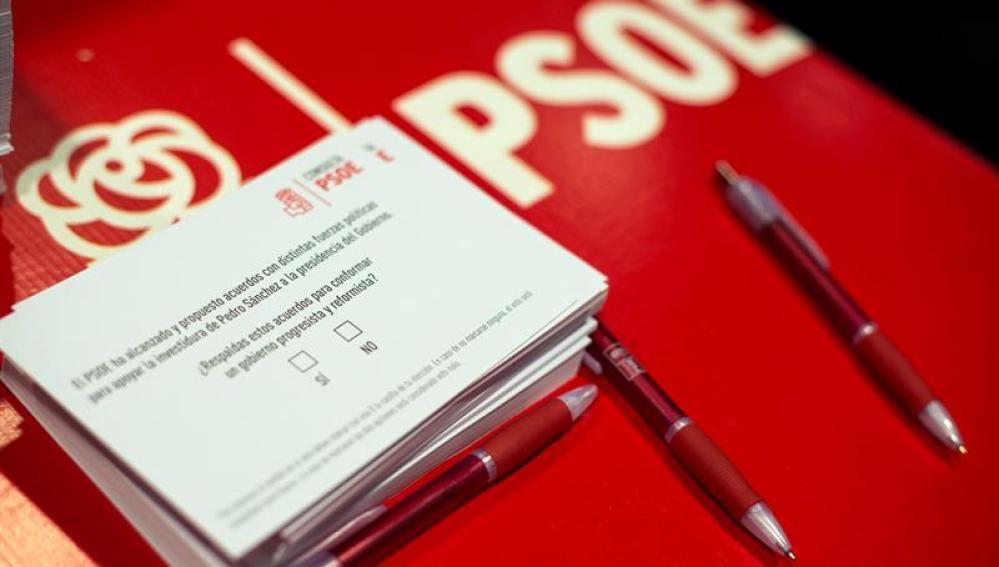 Escasa movilización en la consulta a las bases del PSOE sobre el pacto con C's
