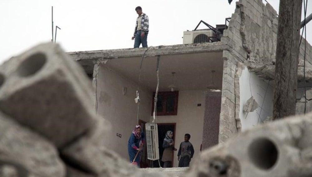 Vivienda bombardeada en la ciudad siria de Alepo (Archivo)