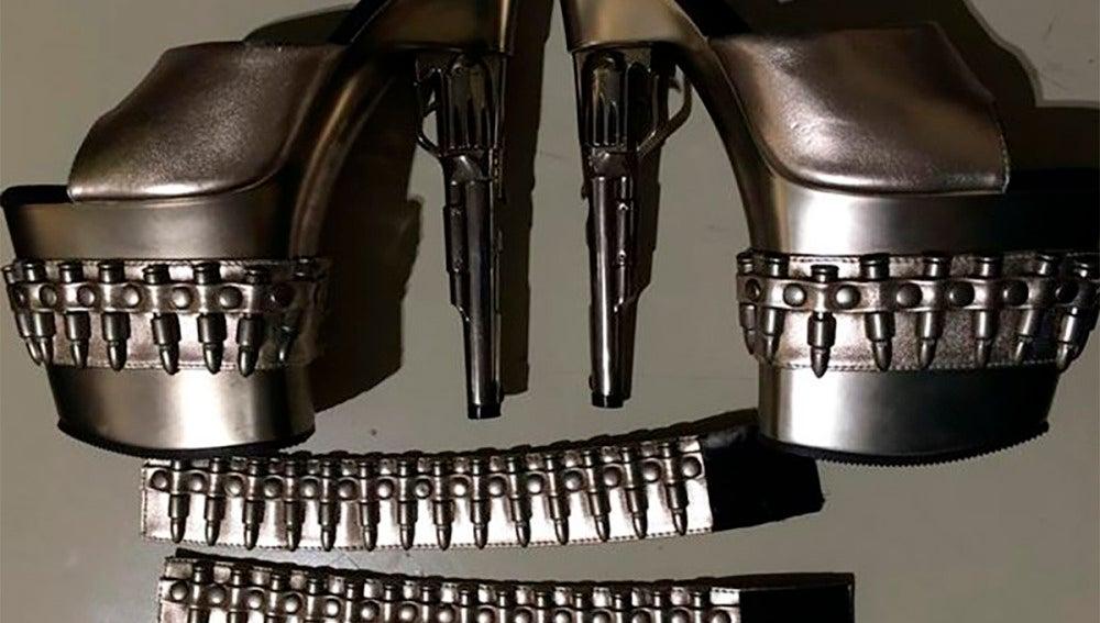 Los tacones en forma de pistola