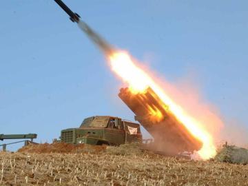 Un misil lanzado desde Corea del Norte - Imagen de archivo