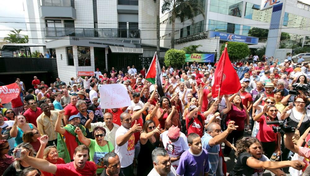 Manifestación en contra de la presecución contra Lula