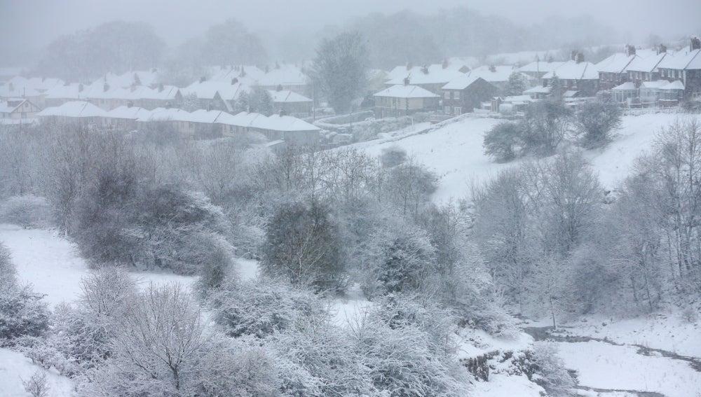 Una manta de nieve cubre Inglaterra (07-03-2016)
