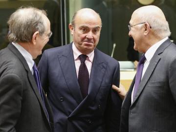 Luis de Guindos durante una reunión en Bruselas