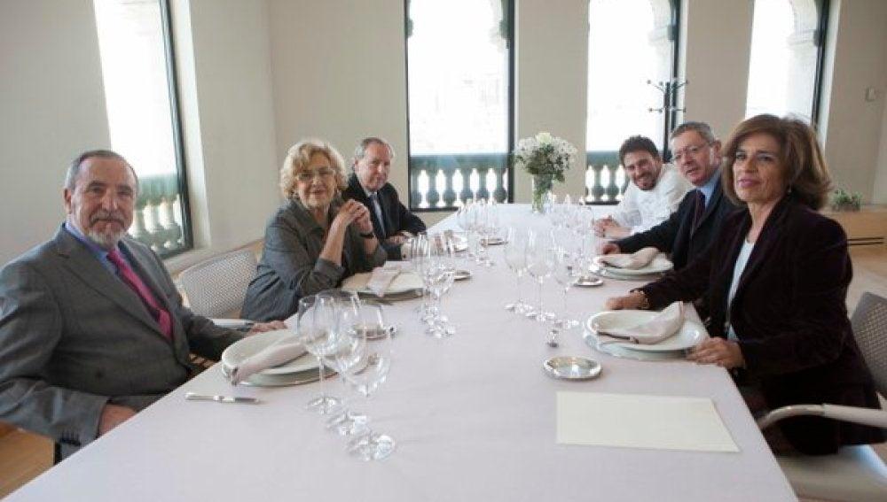 Almuerzo de 'alcaldes' madrileños en el Palacio de Cibeles