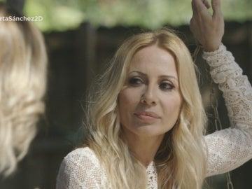 Marta Sánchez mira a Susanna Griso en 'Dos días y una noche'