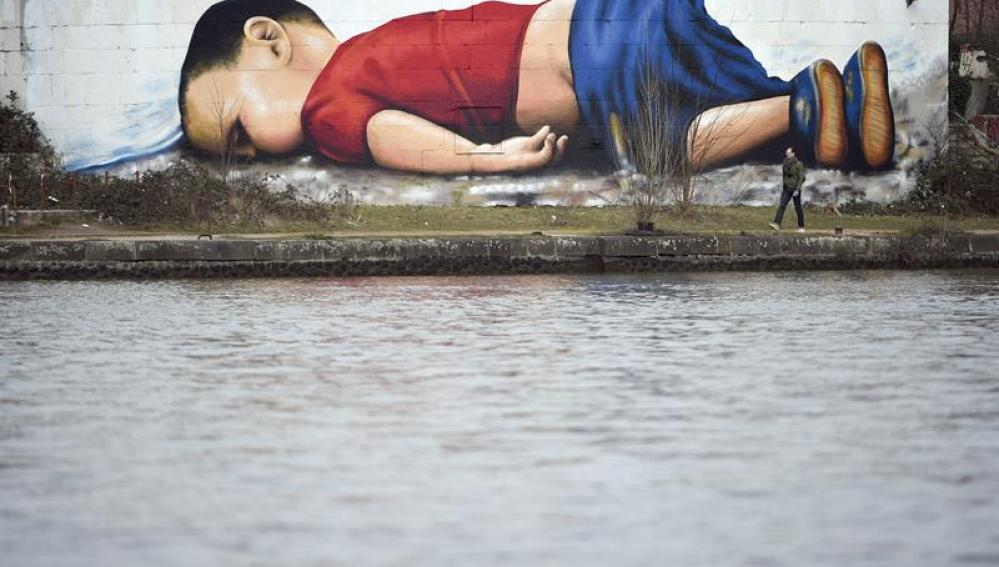 Grafiti de Aylan Kurdi en Alemania