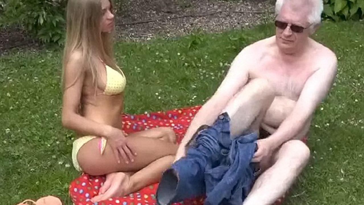 Actor Porno En Parlamento un alumno descubre que su profesor de química es un actor porno