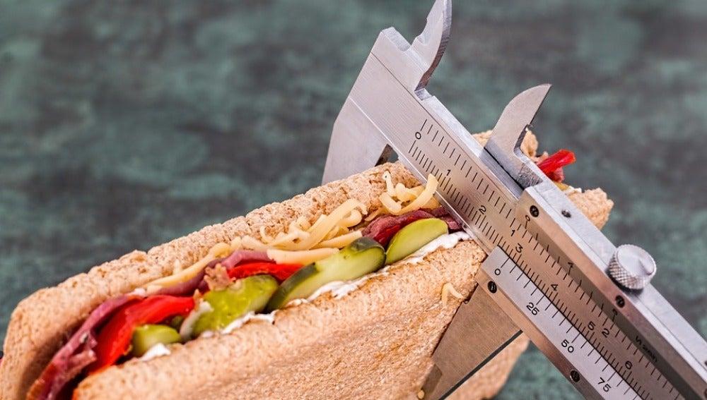 Los paréntesis en la dieta vienen bien, según un estudio.