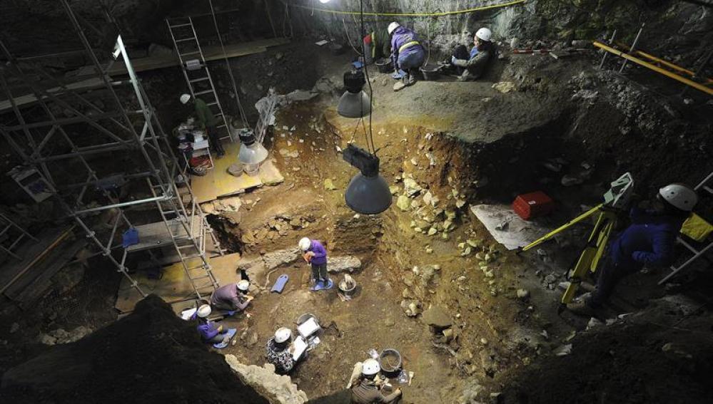 Investigadores en Atapuerca
