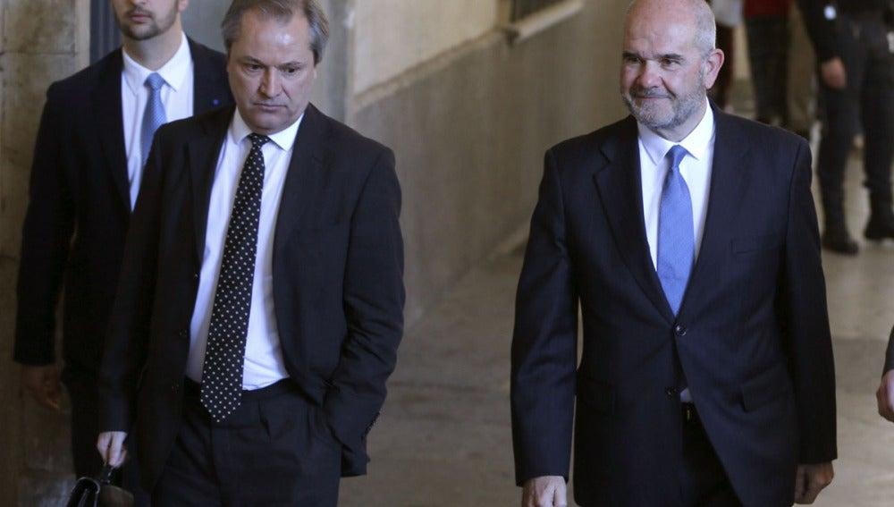 Manuel Chaves llega a los juzgados de Sevilla