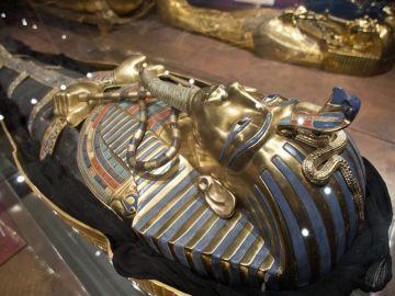Descartan la existencia de cámaras secretas en la tumba de Tutankamón