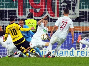 Augsburgo vs Borussia Dortmund.