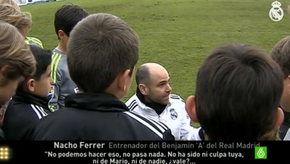 Nacho Ferrer enseña a sus jugadores deportividad