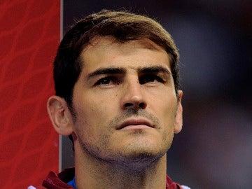 Iker Casillas en un partido con la Selección.