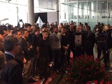El primer equipo acude al homenaje de Cruyff en el Camp Nou