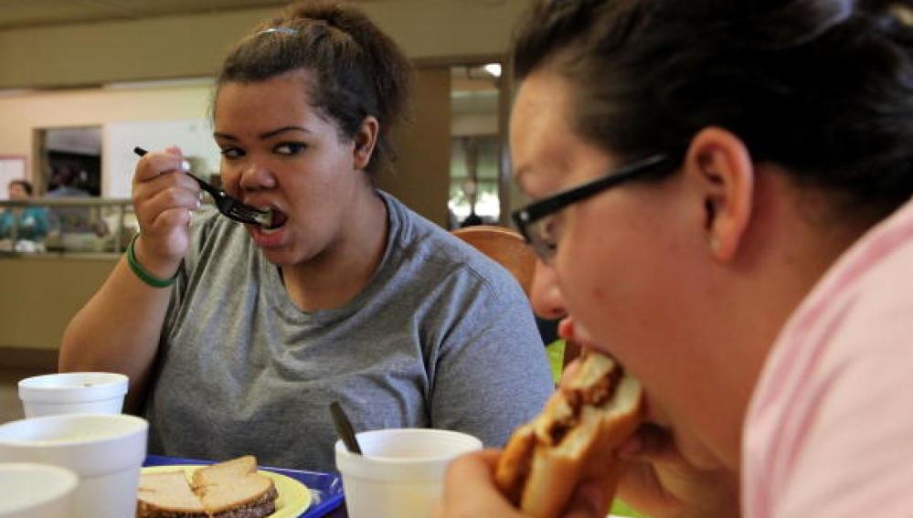 Jóvenes con problemas de sobrepeso